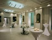 Hotel-de-Rome-Berlin-Palm-Court-Ballroom-foyer-1989.jpg